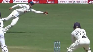 India Lose Five Wickets for Just 11 Runs As Joe Root Introduces Himself into the Attack During IND vs ENG Pink Ball Test