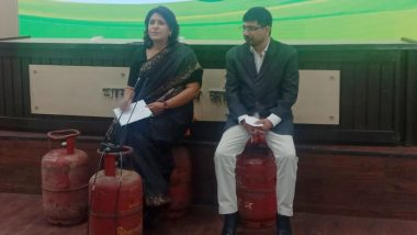 Congress Leaders Supriya Shrinate And Vineet Punia Sit on Gas Cylinders as They Address Media Over Fuel Price Hike