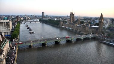 United Kingdom: Thames River Freezes Up For the First Time in Almost 60 Years as Mercury Drops Below Zero in the Country