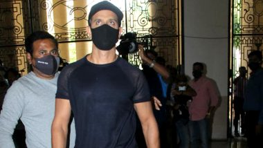 Hrithik Roshan-Kangana Ranaut 2016 Case: The Actor Arrives At The Crime Branch To Record His Statement (Watch Video)