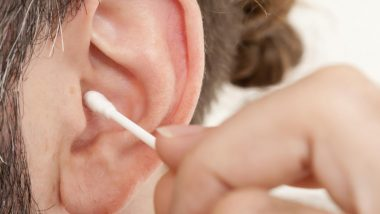 Do You Use Earbuds to Clean You Ears? Here's Expert Opinion on Ways It Can Possibly Be Dangerous!