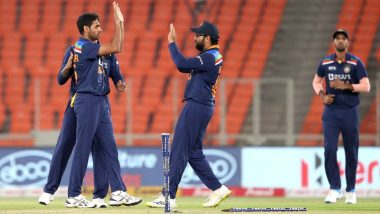 Bhuvneshwar Kumar Produces Match-Winning Spell in IND vs ENG 5th T20I Match; Suresh Raina, Irfan Pathan Others Praise the Pacer for His Performance