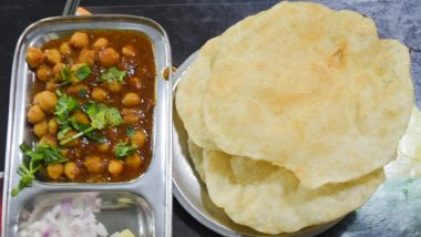 'Chloe Eating Chole,' Hilarious Replies Over Viral Tweet by Journalist Eating 'Chole Bhature' Will Make You Go LOL