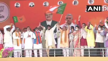 Mithun Chakraborty Joins BJP at PM Narendra Modi's Poll Rally at Brigade Ground in Kolkata Ahead of West Bengal Assembly Elections 2021