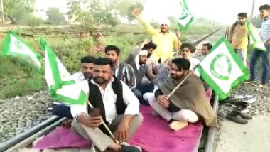 Bharat Bandh by Farmers: Protesters Block GT Road And Railway Track Near Shahpur in Ambala Against Farm Laws