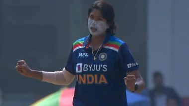 Jhulan Goswami Scalps Four Wickets as India Women Defeat South Africa Women by Nine Wickets in 2nd ODI, Netizens Laud the Chakdaha Express