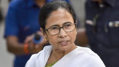 Mamata Banerjee Banned for 24 Hours From Campaigning in West Bengal Assembly Elections 2021; TMC Chief Calls Decision Unconstitutional, To Sit in Dharna Tomorrow