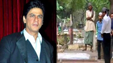 Shah Rukh Khan's Old Photos of Visiting His Parents' Grave in New Delhi Goes Viral, Here's Proof!