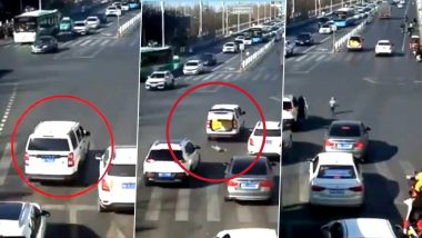 Toddler Miraculously Saved After Falling off a Moving Car amid Traffic! Watch Viral Video