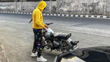 Kartik Aaryan Takes Monday Morning Bike Ride amid Bhool Bhulaiyaa 2 Shoot