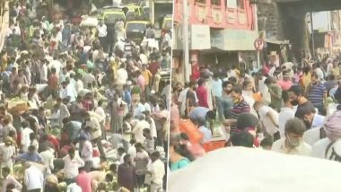 COVID-19 Surge in Mumbai: Huge Crowd Seen at Famous Dadar Market Despite Rising Cases in the City, Social Distancing Norms Flouted (See Pics)