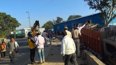 Delhi Road Accident: 2 Dead, 2 Injured After Truck Runs Over Footpath in Kashmiri Gate Area