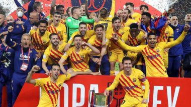 Barcelona Team Lines Up For Snaps With Lionel Messi After Copa del Rey 2021 Win, Was This a Good Bye For the Argentine? (Watch Video)