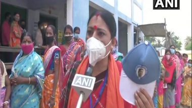 West Bengal Assembly Elections 2021: Asansol Dakshin BJP Candidate Agnimitra Paul Accuses TMC of Manipulating Voters by Wearing Cap of CM's Photo