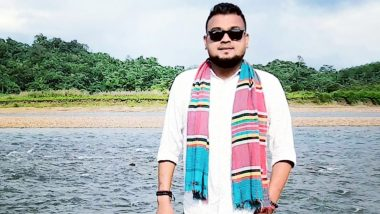 Bikramjit Baulia, Silchar-Based Folk Singer Sings Songs on Phone to Boost Mental Health of COVID-19 Patients in Isolation