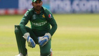 PSL 2021: Former Pakistan Skipper Sarfaraz Ahmed, 10 Others Barred From Boarding Commercial Flights to Abu Dhabi
