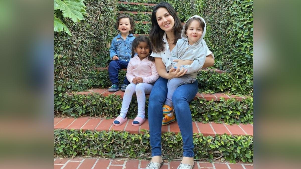 Sunny Leone With Kids 2 2