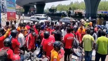 Telangana Lockdown: Vehicles of Zomato, Swiggy and Dunzo Delivery Boys Seized, Fined in Hyderabad (Watch Video)
