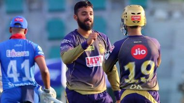 Will Varun Chakravarthy Play Against Chennai Super Kings in IPL 2021 Finals? Mystery Spinner's Injury Scare Leaves the Fan Sweating!