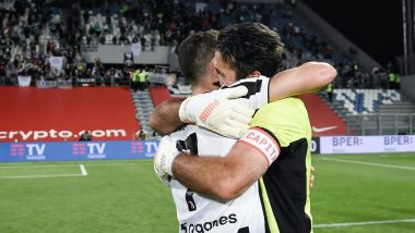 Cristiano Ronaldo & Gianluigi Buffon Embrace Each Other After Winning Coppa Italia 2021 Title, Fans Emotional After Goalkeeper Made Last Appearance for Juventus