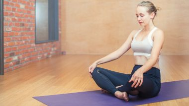 Mental Health Awareness Month 2021: How to Perform Pranayam Correctly at Home to Keep Stress at Bay? Breathing Exercises to Help You Power Through the Testing Times
