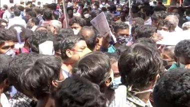 Tamil Nadu: Amid Rising COVID-19 Cases, Huge Crowd Seen Outside Jawaharlal Nehru Stadium in Chennai To Get Remdesivir (See Pics)