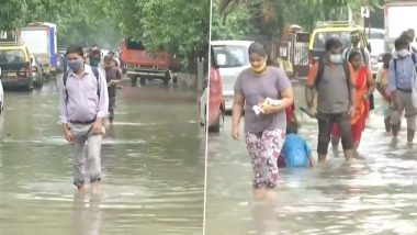 Southwest Monsoon 2021: Roads Waterlogged in Mumbai's Sion Area After Pre-Monsoon Showers on Monday Night (Video)