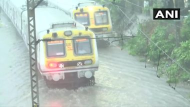 Mumbai Rains: Local Train Services Between CSMT And Thane Restored After Being Suspended For 15-20 Minutes Due to Waterlogging on Tracks