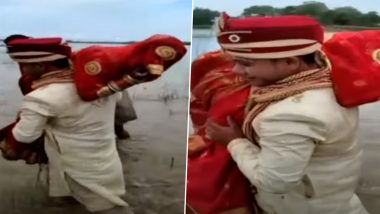 Bihar: Groom Lifts Bride on Shoulder to Cross Area Filled With Water at Kankai Ghat in Kishanganj; Video Goes Viral