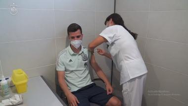 Spain Vaccinates European Championship 2020 Soccer Team After COVID-19 Outbreak Scare