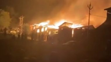 Jammu And Kashmir Fire: 30 Families Left Homeless Due to Blaze That Erupted in Noorbagh Area of Baramulla
