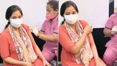 Shreya Ghoshal Gets the First Dose of COVID-19 Vaccine, Singer Encourages New Mothers to Go for It