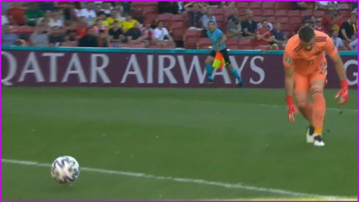 Spain Own Goal Video: Pedri Finds Own Net Against Croatia After Goalkeeper Unai Simon Fails to Control the Ball During UEFA Euro 2020 Clash   ⚽ LatestLY