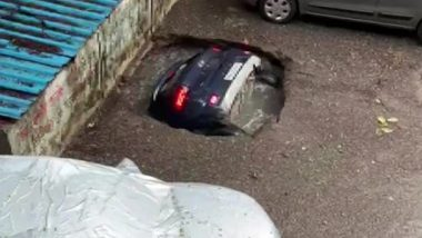 SUV Car Swallowed Up by Sinkhole in Mumbai's Ghatkopar Area, Efforts On To Retrieve the Vehicle (Watch Viral Video)