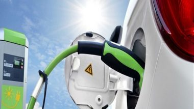 Business News | CESL Signs Pact with HPCL to Set Up EV Charging Points in Metros