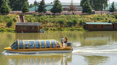 Jammu and Kashmir: Srinagar City Gets Its 1st Bus Boat To Revive Water Transport, Trial Run Starts in Jhelum River