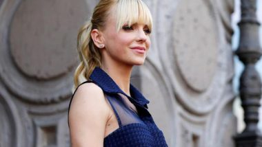 Entertainment News | Anna Faris Reveals She Secretly Married Michael Barrett at Local Courthouse