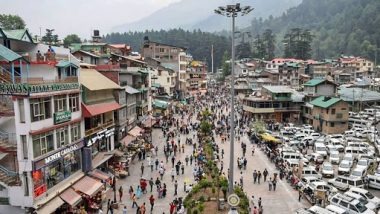 Manali Issues New COVID-19 Rules After Pictures of Crowded Streets Go Viral, Rs 5,000 Fine or 8-Day Jail if Found Without Face Masks