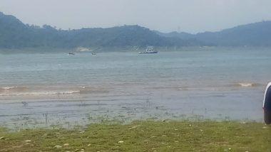 Jammu and Kashmir: Indian Army Helicopter Crashes into Ranjit Sagar Dam in Kathua, Both Pilots Safe