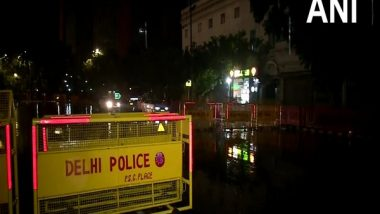 India News   Delhi-NCR Receives Spells of Rain, IMD Predicts Thunderstorm, Heavy Downpour in Next 2 Hours