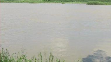 Uttar Pradesh Rains: Evacuation Begins in Prayagraj, Water Levels of Ganga, Yamuna Cross Danger Mark