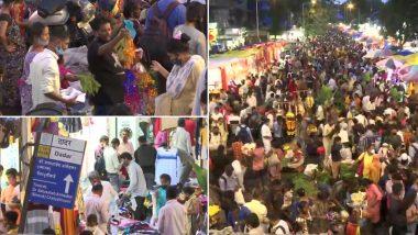 Ganesh Chaturthi 2021: Huge Crowd Seen at Mumbai's Dadar Market Ahead of The Festival (View Pics)