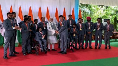 PM Narendra Modi Hosts Indian Paralympic Contingent at His Residence, Says 'They Have Increased the Prestige of India at World Stage'