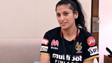RCB Sports Massage Therapist Navnita Gautam Is a Team Player and a Woman With a Golden Heart (Watch Videos)