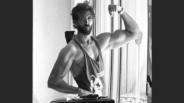 Hrithik Roshan Flaunts His Sexy Biceps, Shares a Drool-Worthy Monochrome Picture on Instagram!