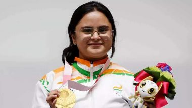 Avani Lekhara Leads Indian Contingent During Tokyo Paralympics 2020 Closing Ceremony (Watch Video)
